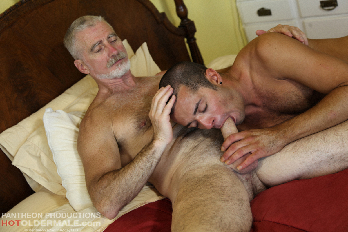 old bear men fuck young gay
